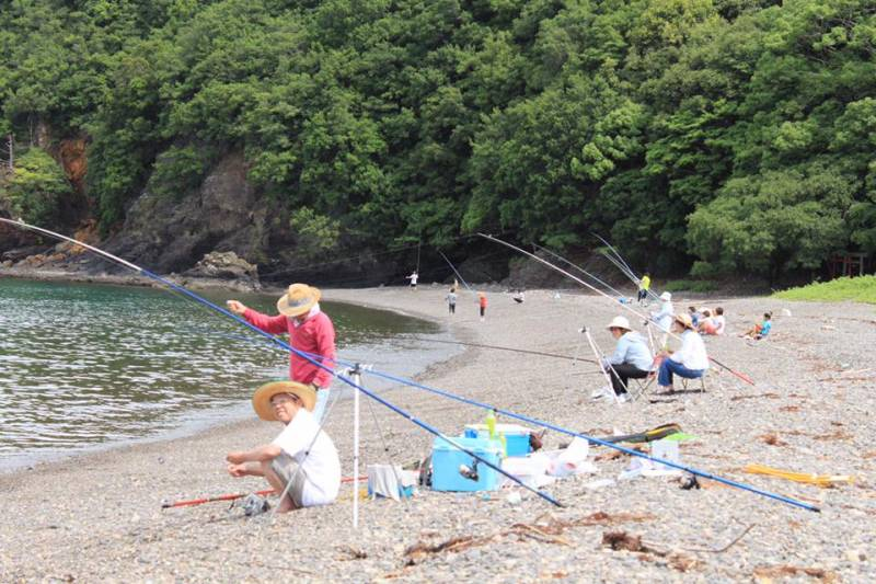 ある日の海岸ー釣り風景ー