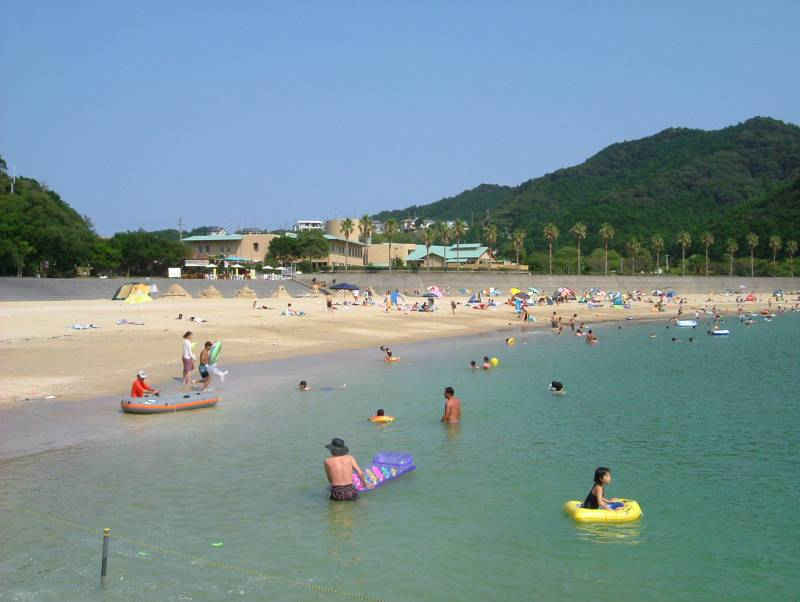 目の前の【城ノ浜海水浴場】