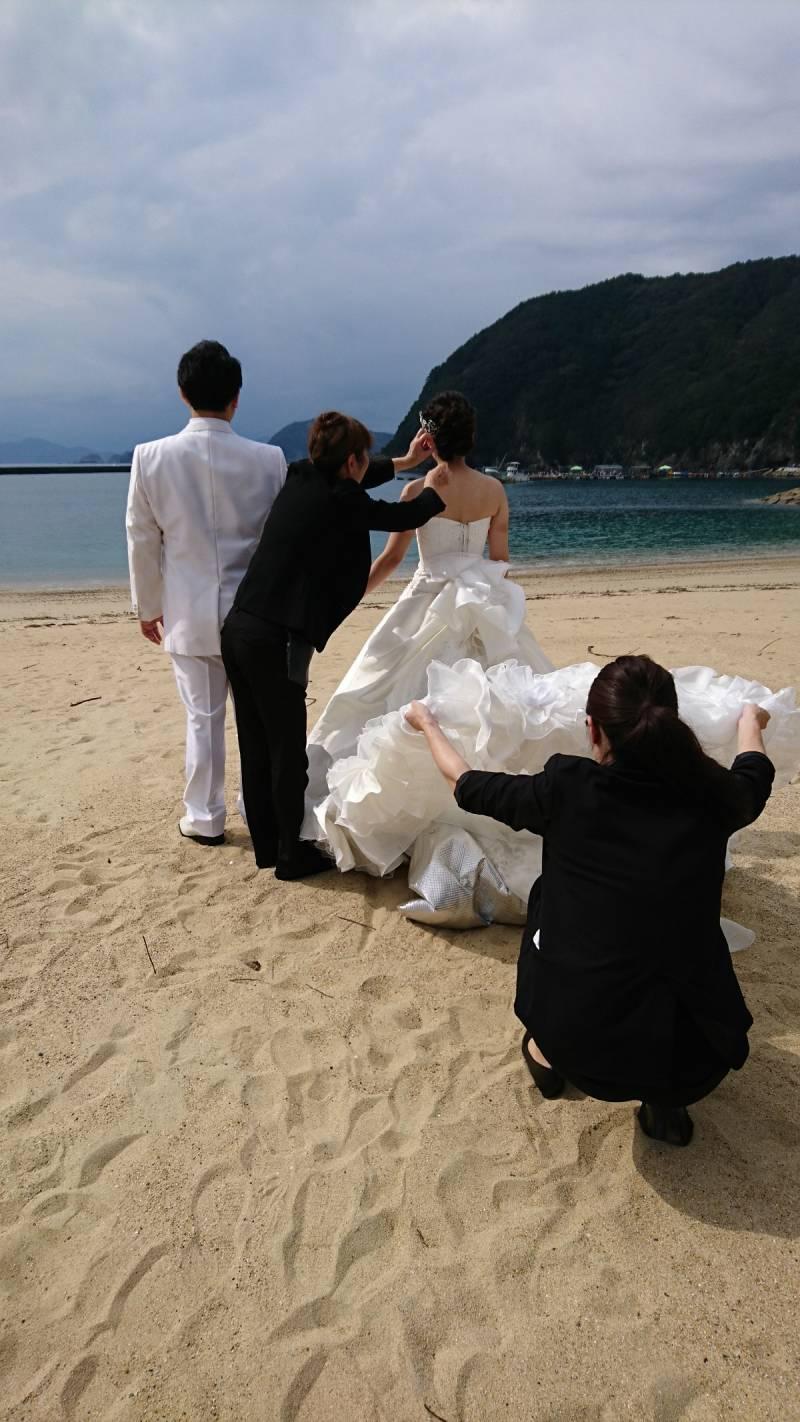 ホテル隣の城ノ浜から前撮りスタートです。