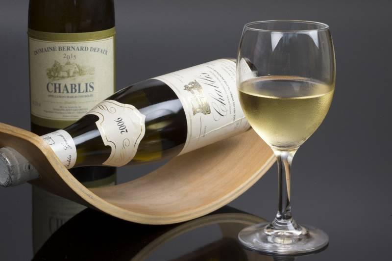 白ワイン「シャブリ」 ※イメージ