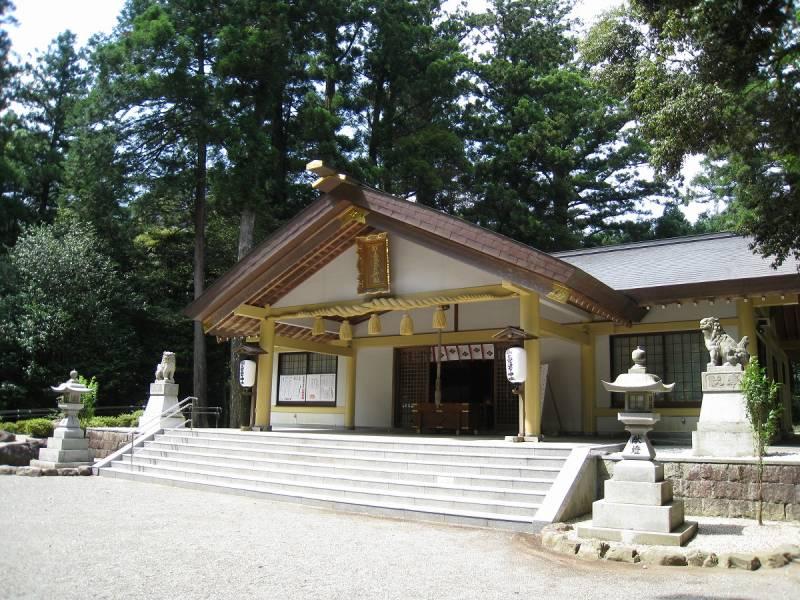 受験生必見!日頃の努力と、あとは日本で唯一「あたまの宮」と名のつく神社で【合格祈願】の最後の後押しを。