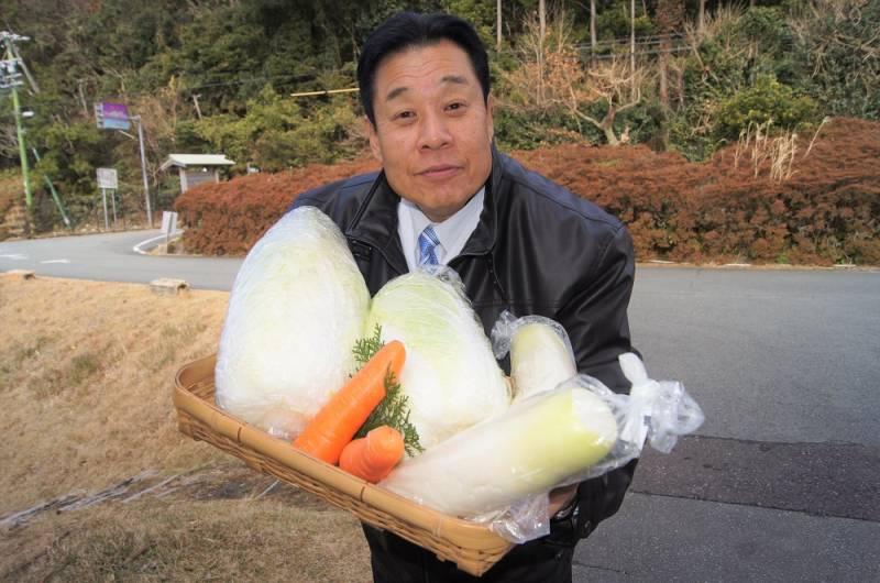 中西総料理長と無農薬野菜